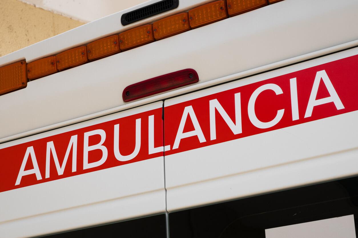 Italienischer Krankenwagen mit Aufschrift Ambulancia.
