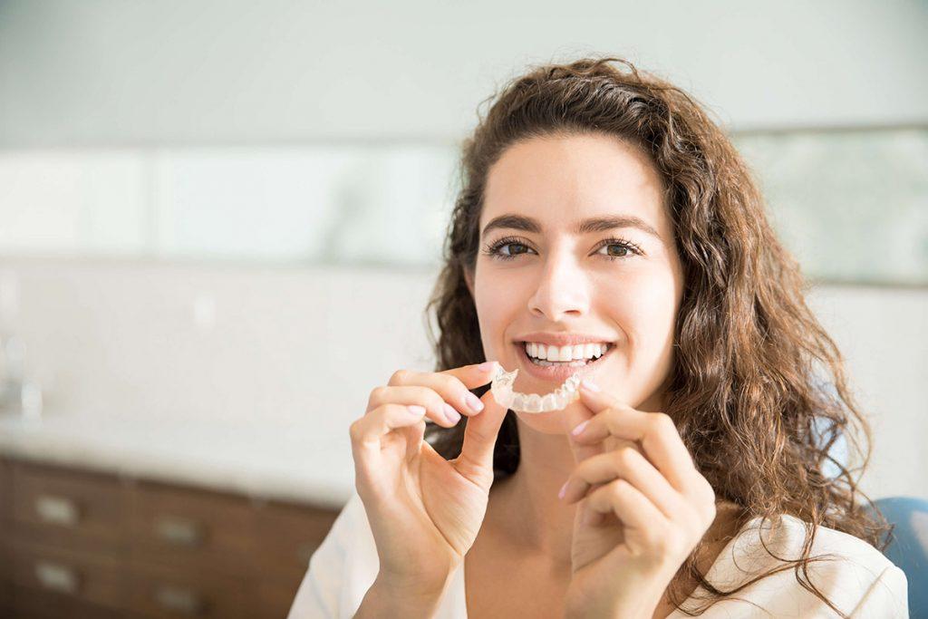Zähne zusammenbeißen: Wenns knirscht und schmerzt