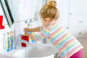 einhaltung-der-hygienevorschriften-durch-haendewaschen