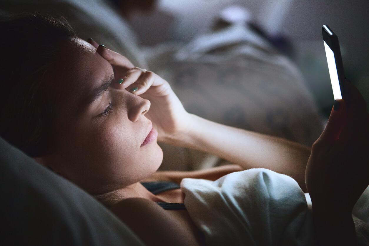 handy-als-ursache-fuer-schlafprobleme