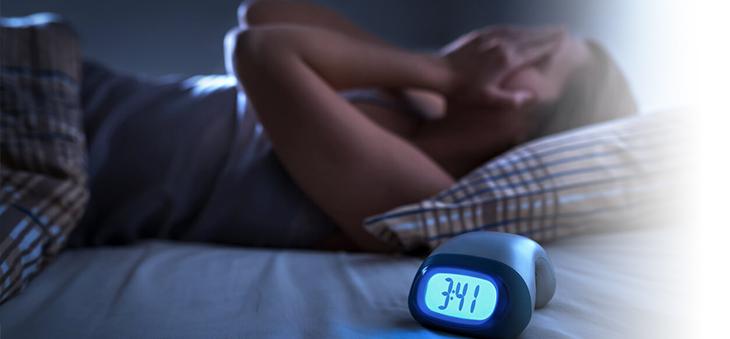 frau-hat-schlafprobleme