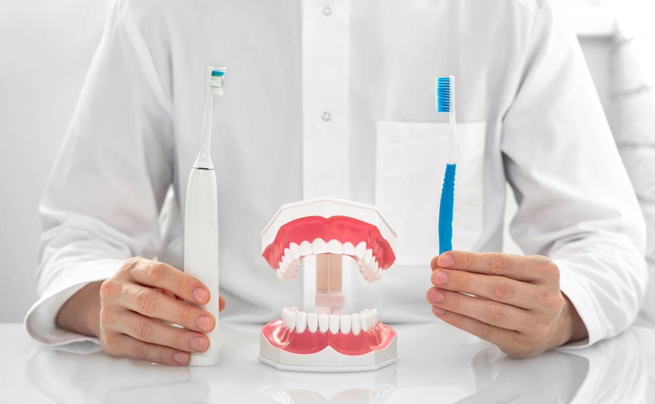 zahnhygiene-mit-schallzahnbuerste