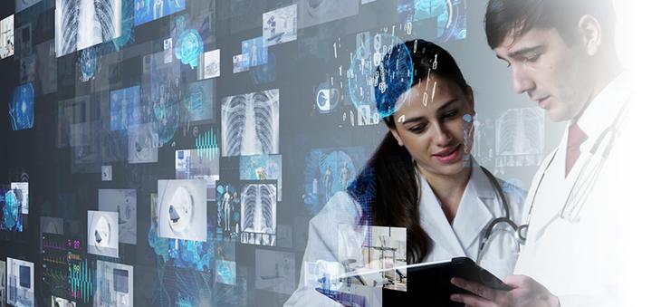 aerzte-analysieren-eine-elektronische-patientenakte