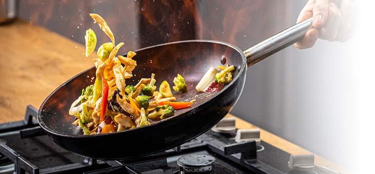 gemüse-im-wok-zubereiten